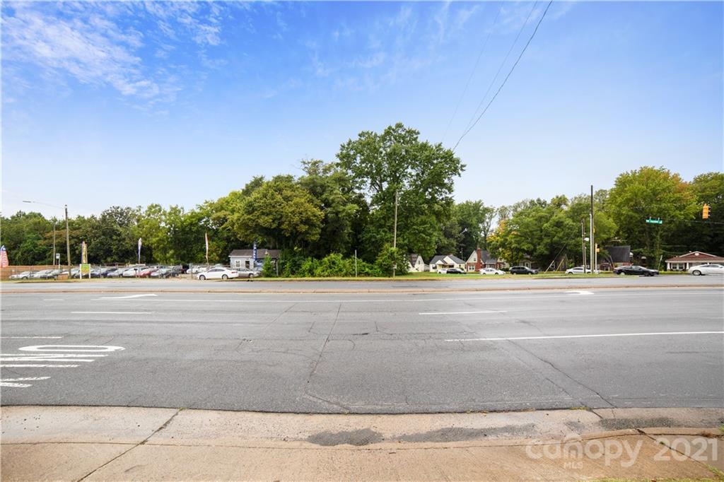 3733 Freedom Drive Property Photo