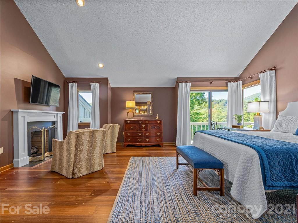 163 S East Shore Drive Property Photo 24
