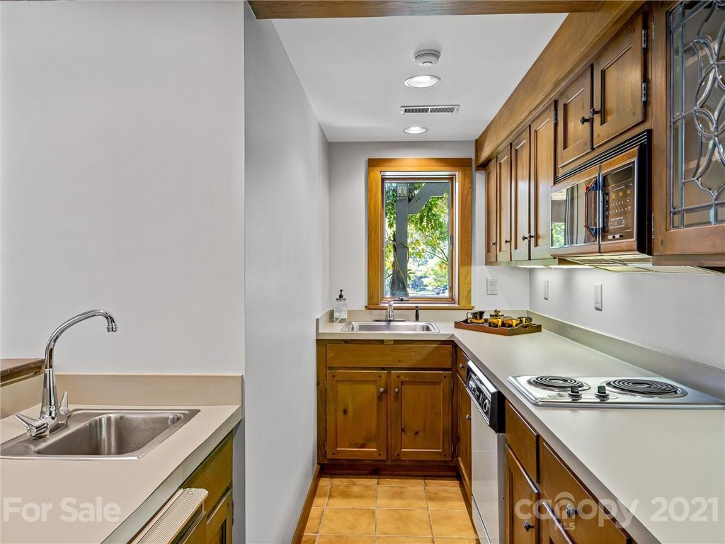 163 S East Shore Drive Property Photo 28