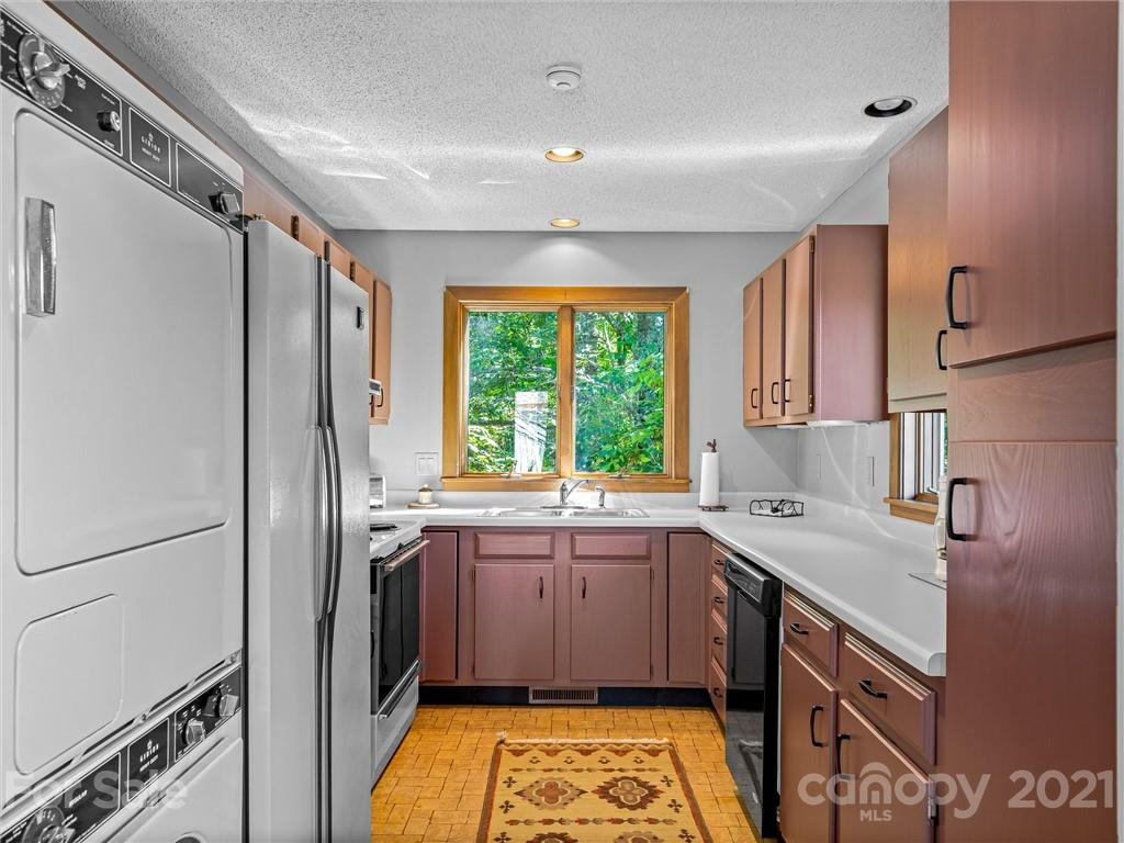 163 S East Shore Drive Property Photo 37