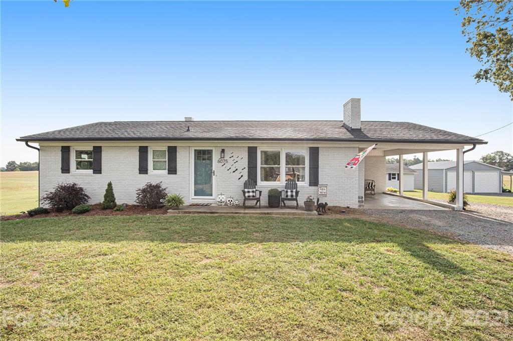 6075 Smith Lake Road Property Photo