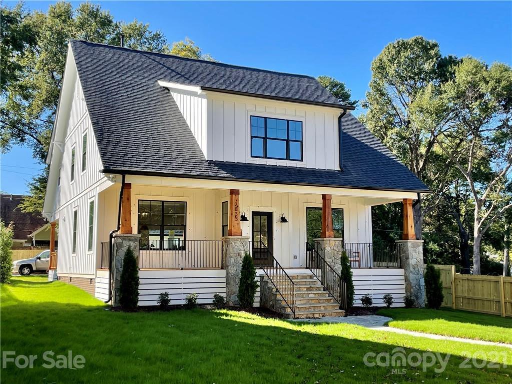 2833 Holt Street Property Photo