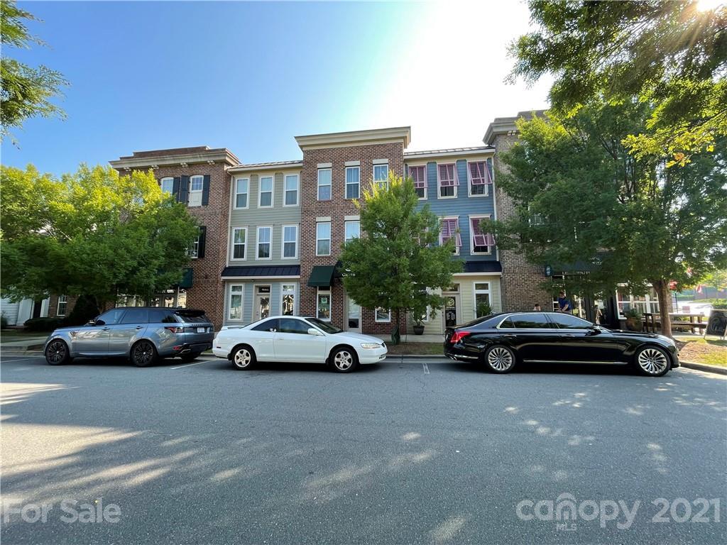 9604 Longstone Lane Property Photo 1