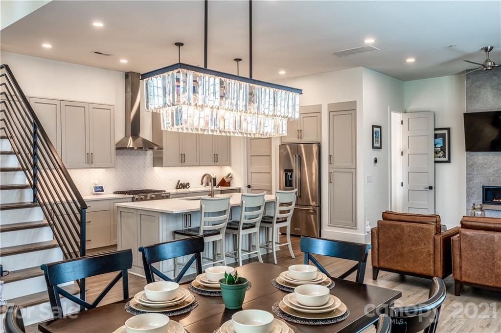 240 Victoria Avenue Property Photo