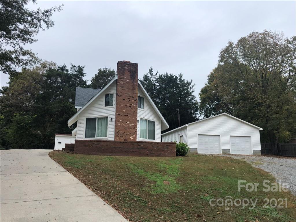 1024 Seneca Road Property Photo