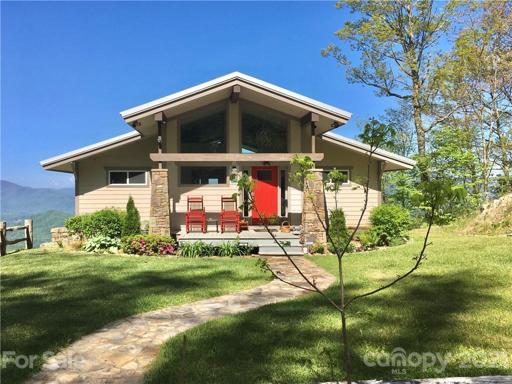 1135 Wonder View Drive Property Photo