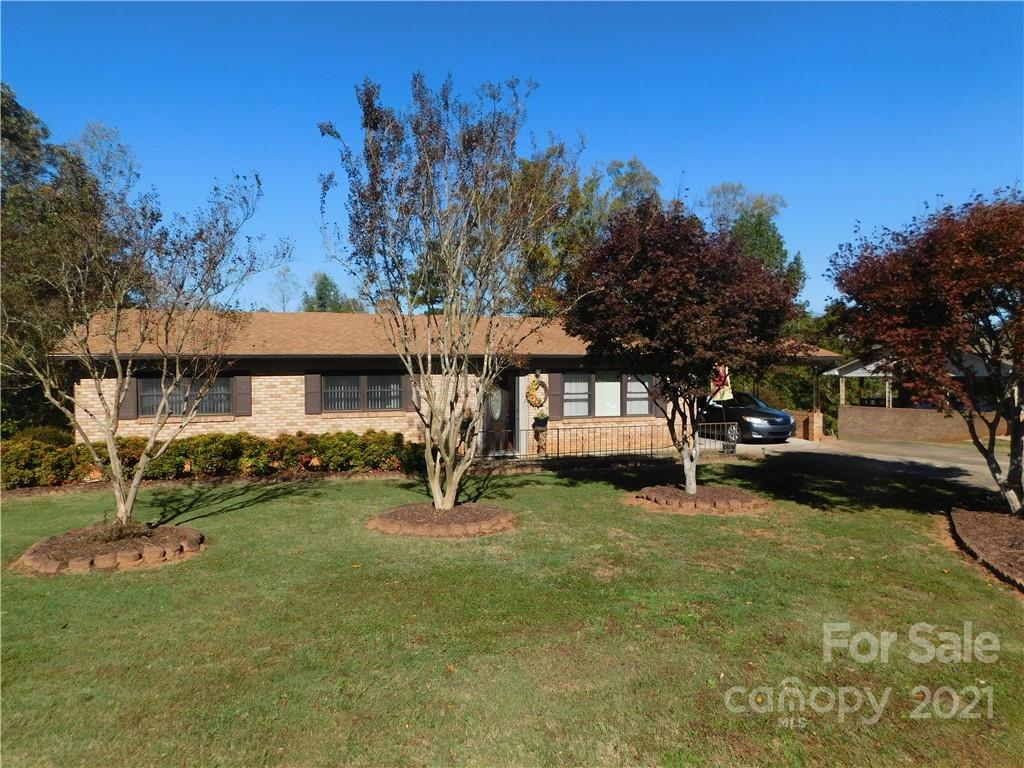 4619 Lakeview Acres Road Property Photo