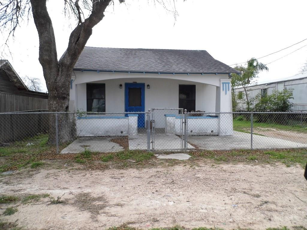 607 E North St Property Photo 1