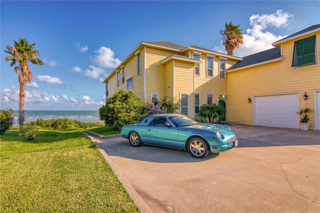 218 Shore Dr Property Photo 1