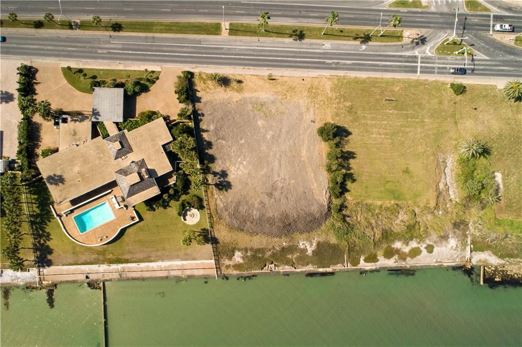 4720 Ocean Dr Property Photo 1