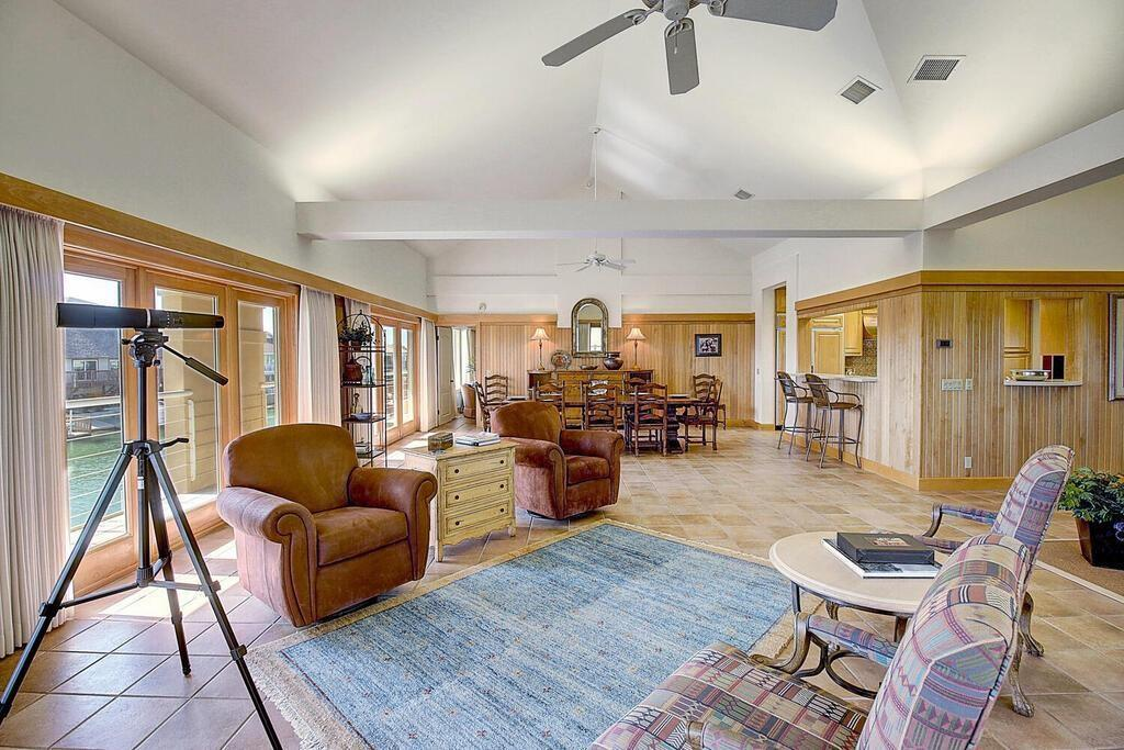 6 Malibu Lane Property Photo 11