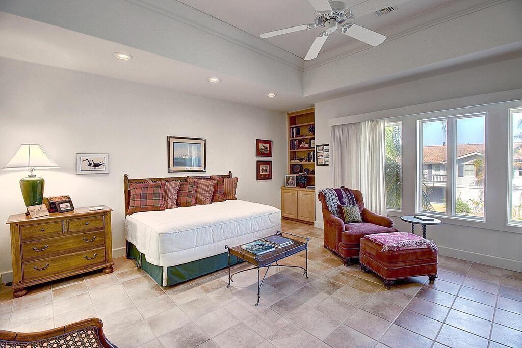 6 Malibu Lane Property Photo 24