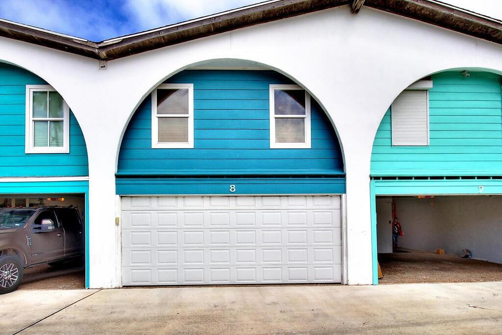 318 W Cotter Avenue #8 Property Photo 1