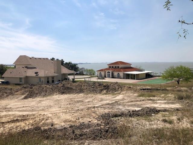 1007 Bluff Drive Property Photo 1