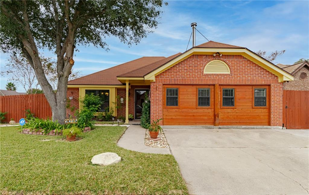 2075 Lakeview South Drive Property Photo 1