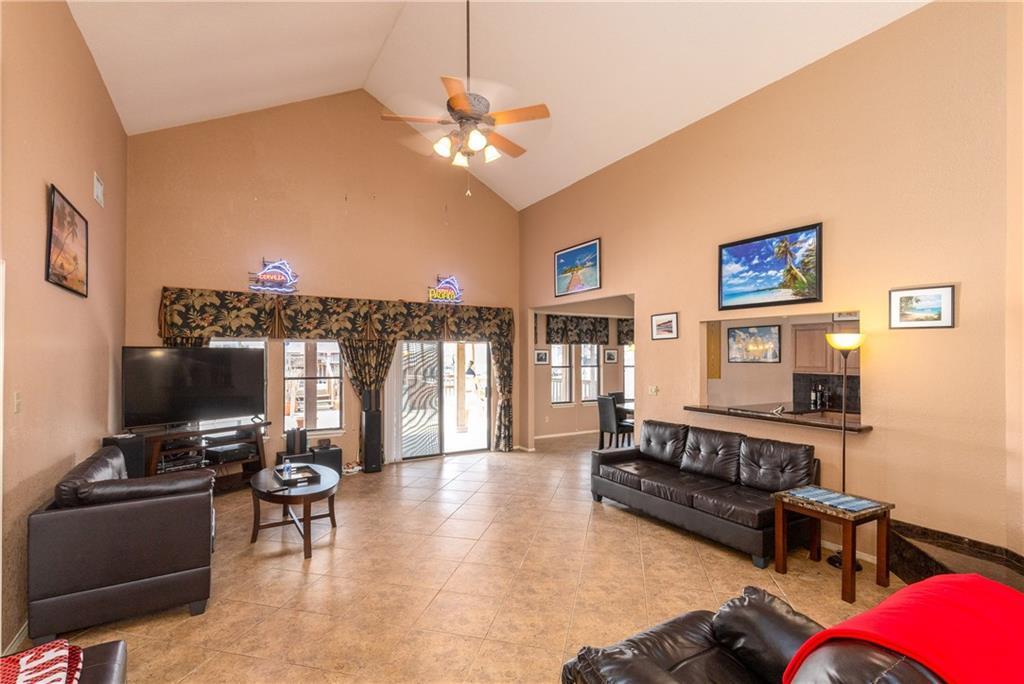 15318 Bounty Ave Property Photo 2