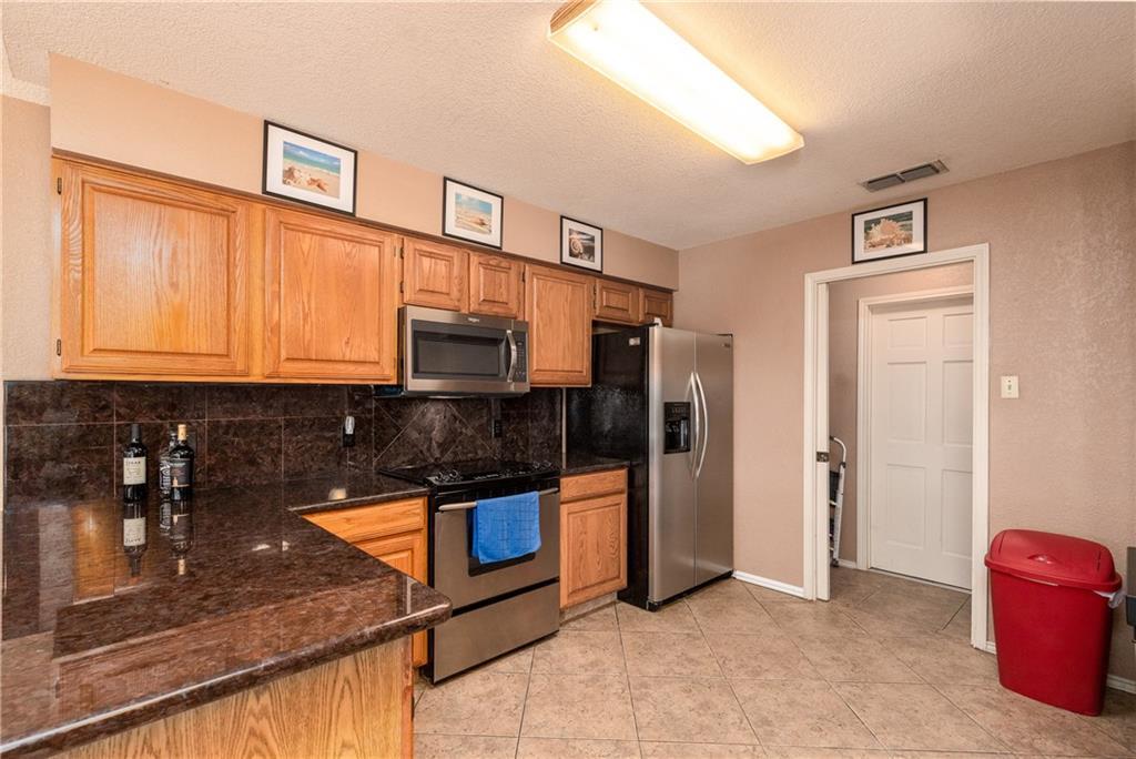 15318 Bounty Ave Property Photo 6