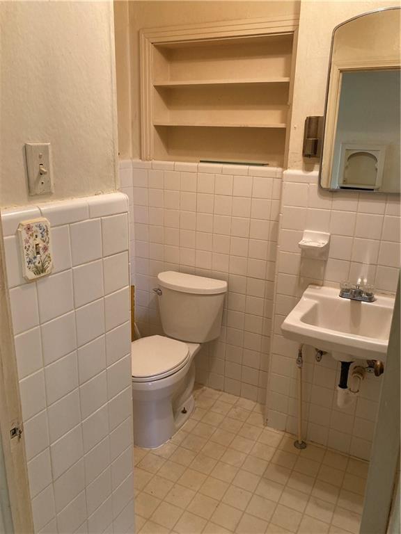 601 E Henderson St Property Photo 13
