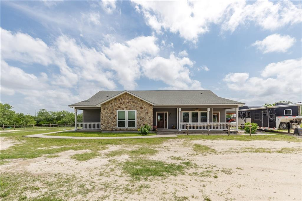 260 County Road 372 Property Photo 1