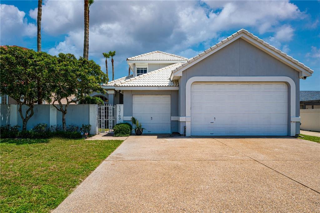13769 Eaglesnest Bay Drive Property Photo 1
