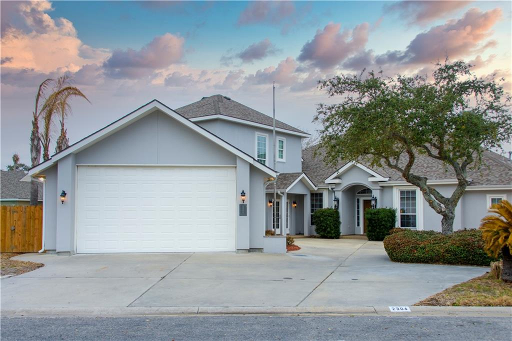 2304 Edgewater Ct Property Photo 1