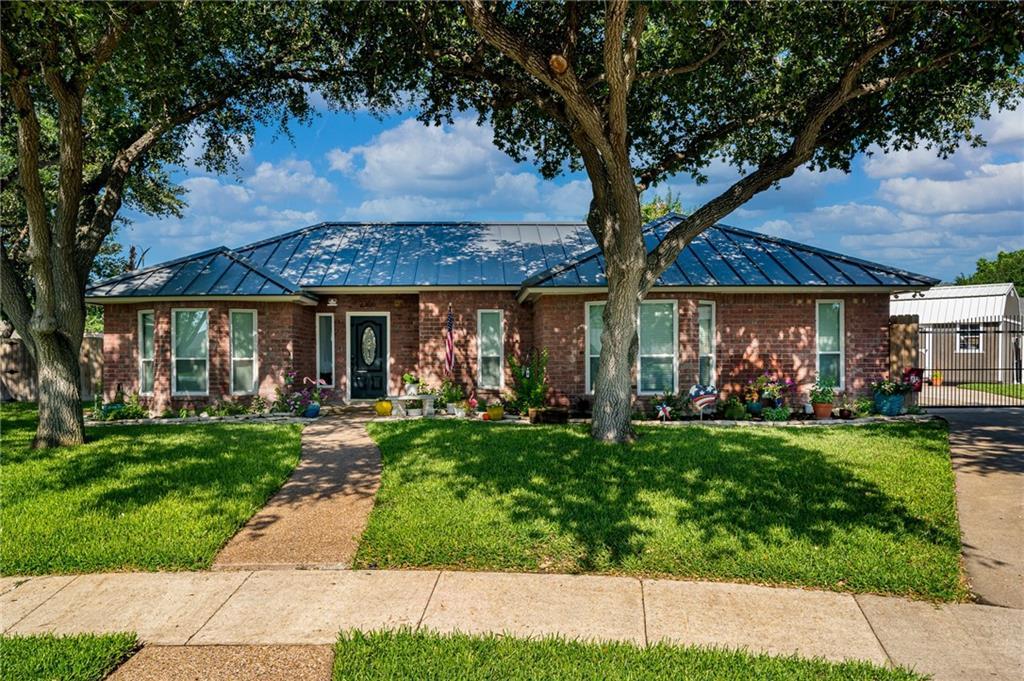 2308 Twin Oaks Drive Property Photo 1