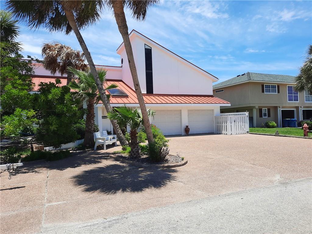 11 Pelican Drive Property Photo 1