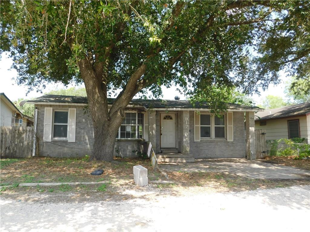 917 N Adams St Property Photo 1