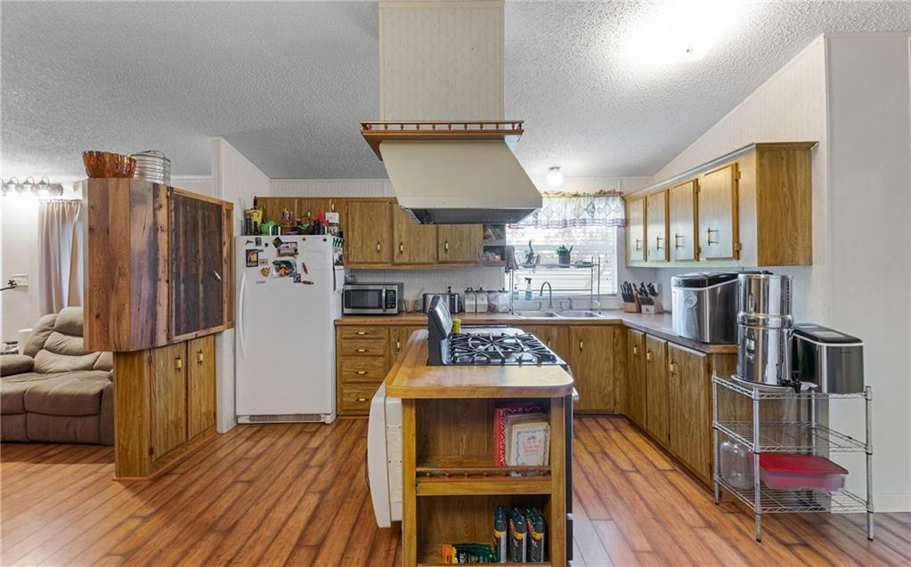 1180 E County Road 2360 Property Photo 9