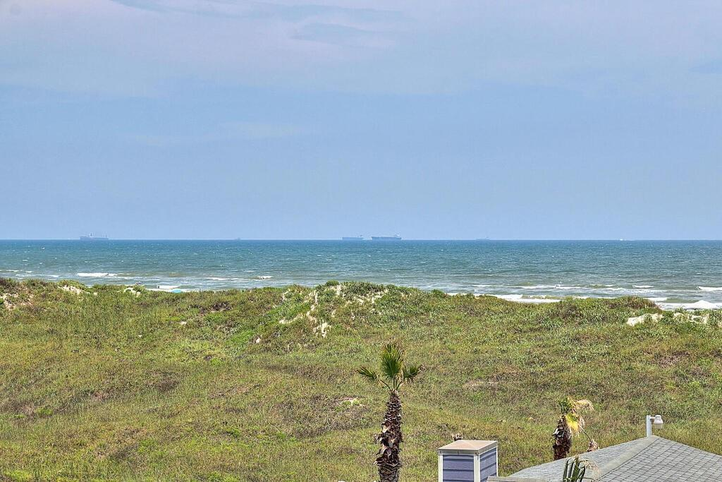 3307 On The Beach Dr Property Photo 21