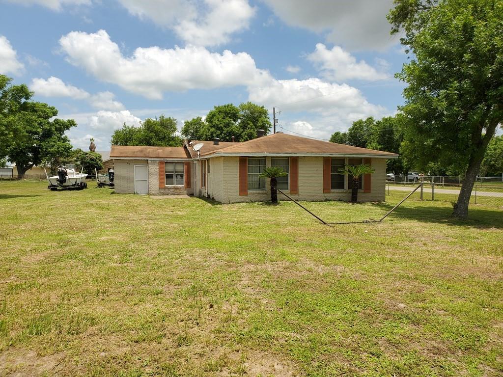 2609 W Highland Property Photo 1
