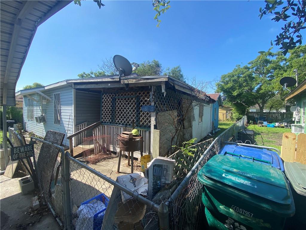 1605 Chula Vista St Property Photo 1