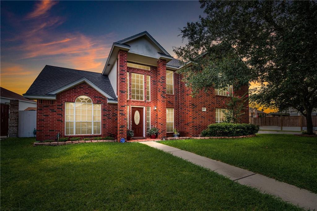 4929 Lake Medina Drive Property Photo 1