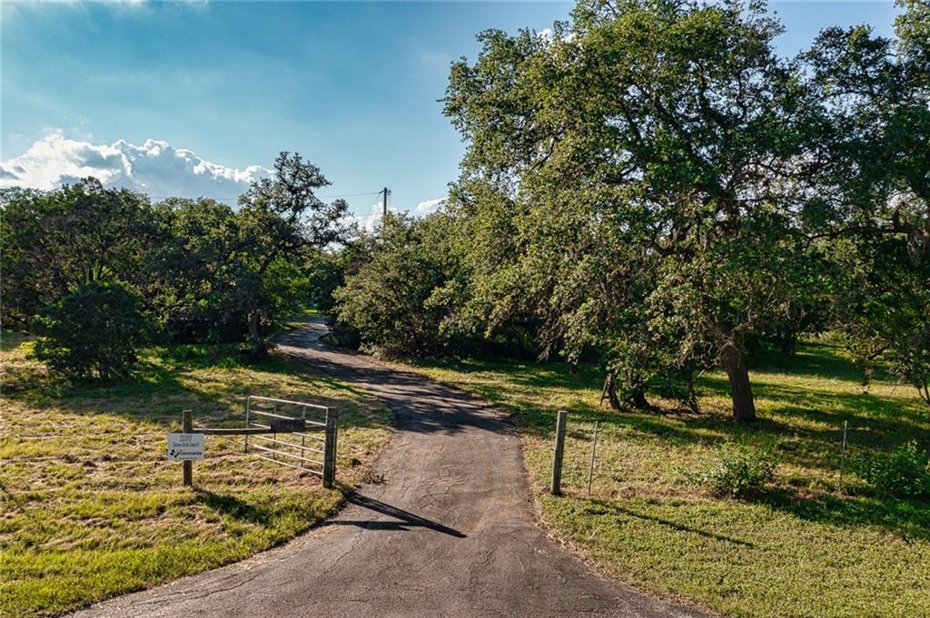 1377 Lone Oak Road Property Photo 1