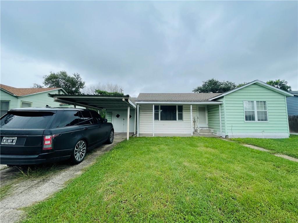 405 E 9th St Property Photo 1