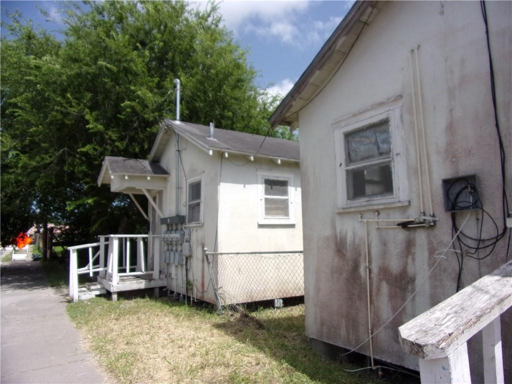 3809 Lou Street Property Photo 1