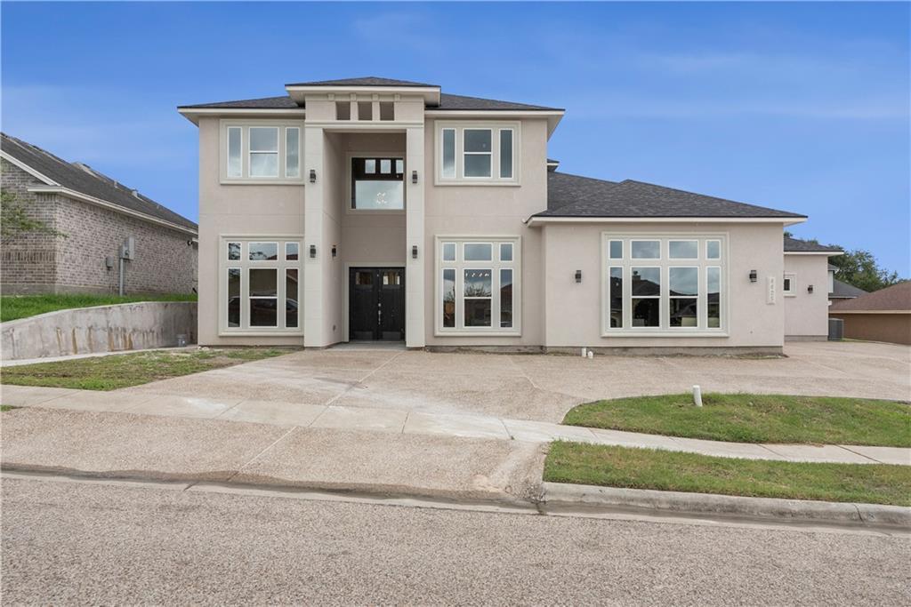 4425 River Park Drive Property Photo 1