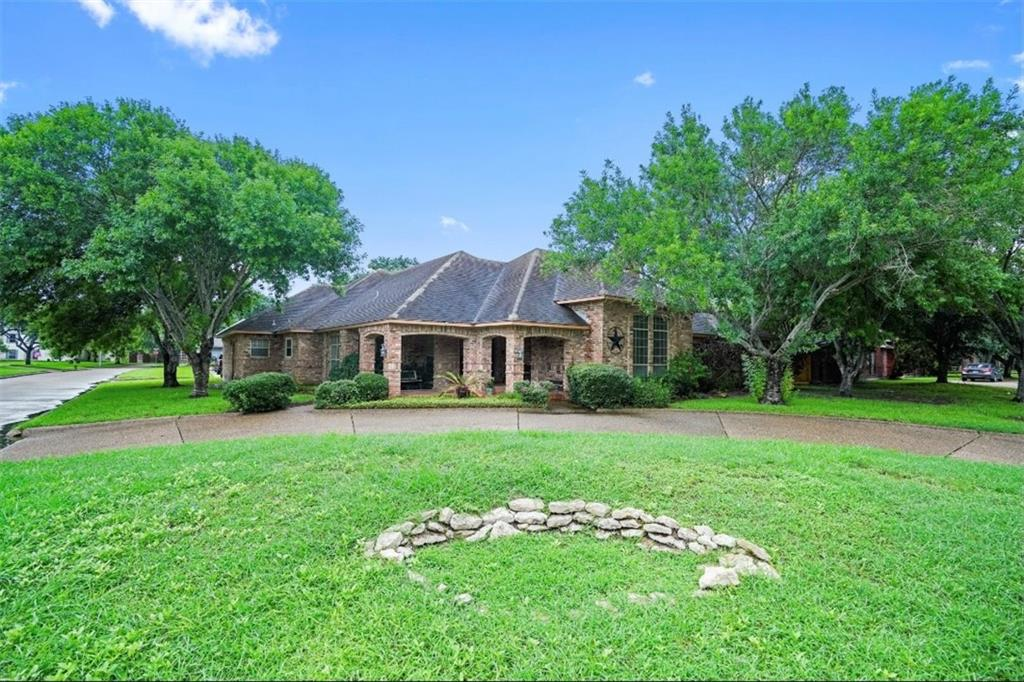 2802 Archmont Drive Property Photo 1