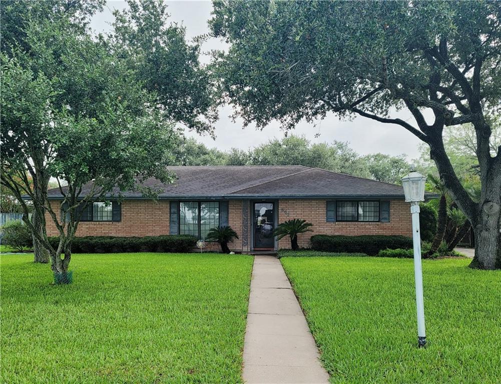 603 E 11th Street Property Photo 1
