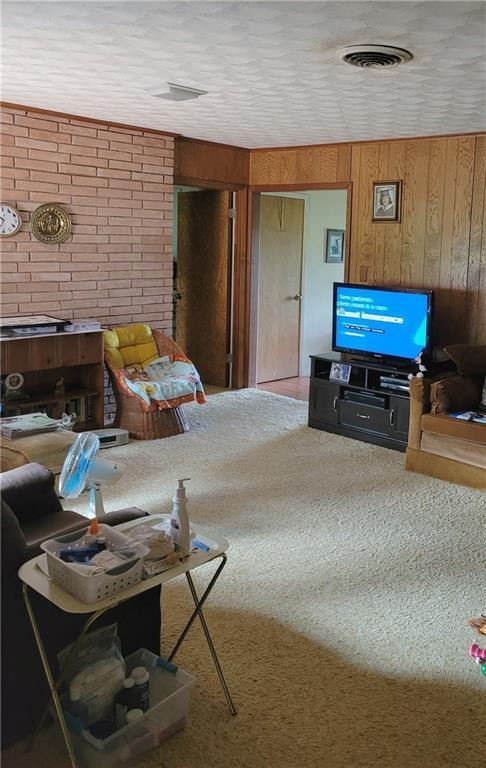 603 E 11th St Property Photo 3