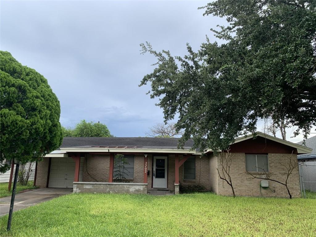 2202 E Lott Ave Property Photo 1