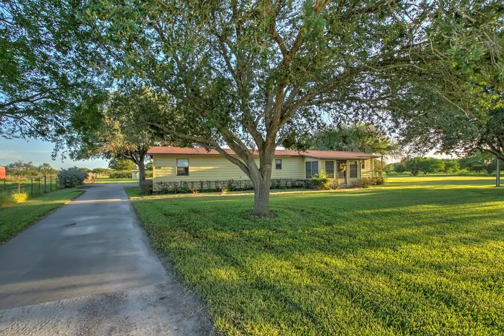 618 W County Road 303 Property Photo 1