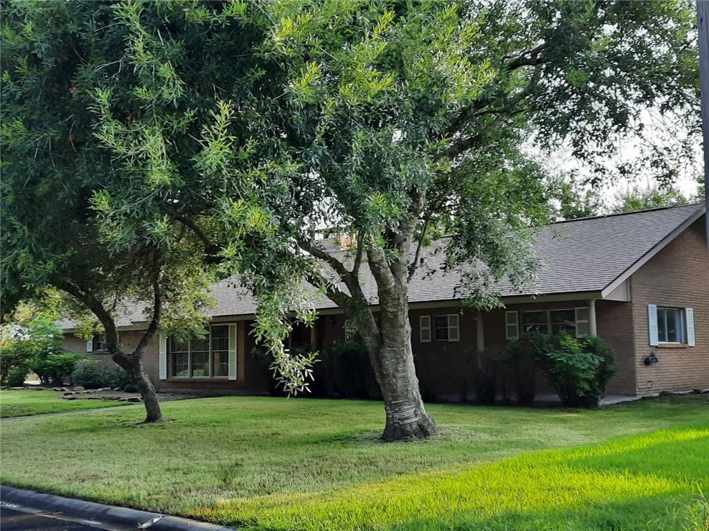 546 Brookhollow Dr Property Photo 1