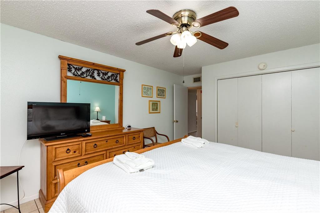 15005 Windward Dr 121 Property Photo 10