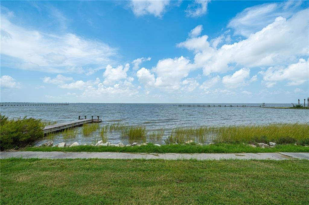 111 Redfish Point Dr Property Photo 33