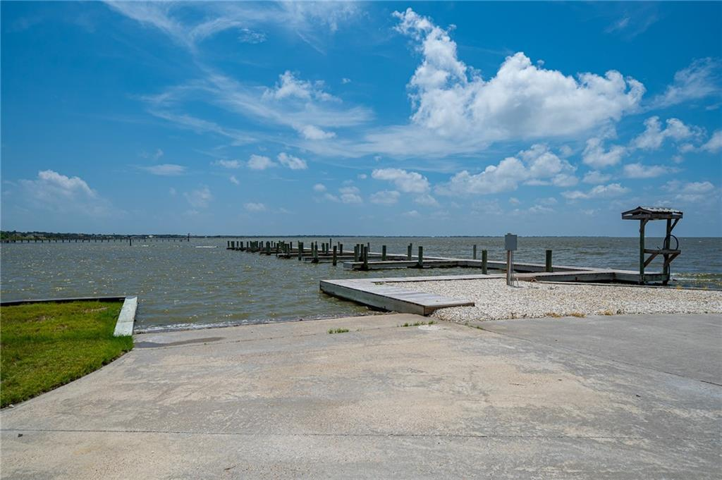 111 Redfish Point Dr Property Photo 36