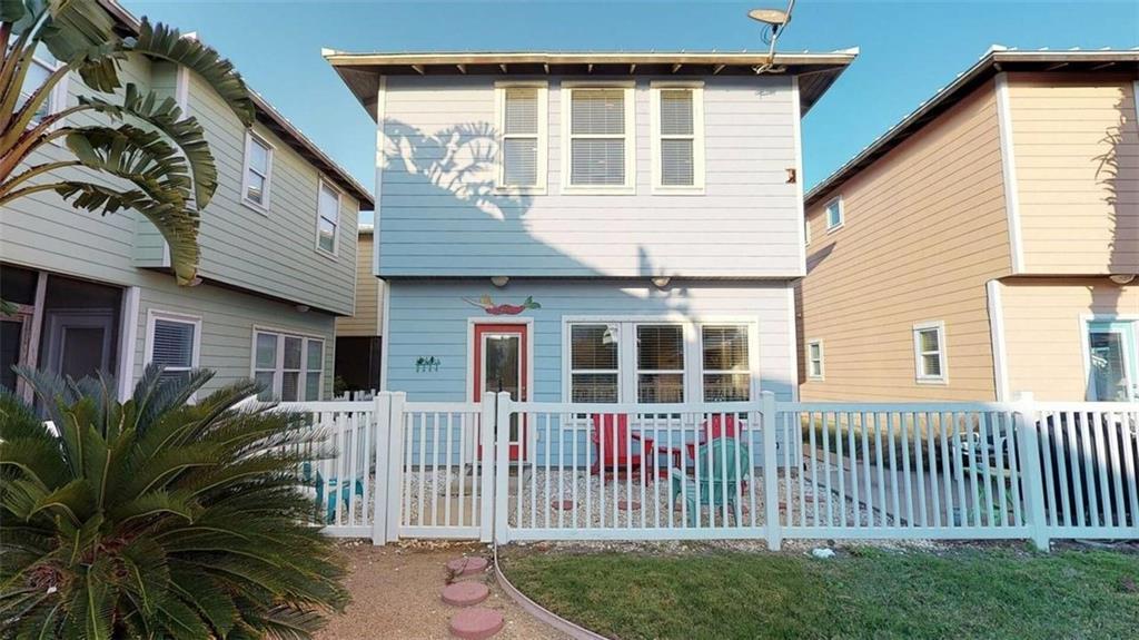 301 Avenue C E 2 Property Photo 1