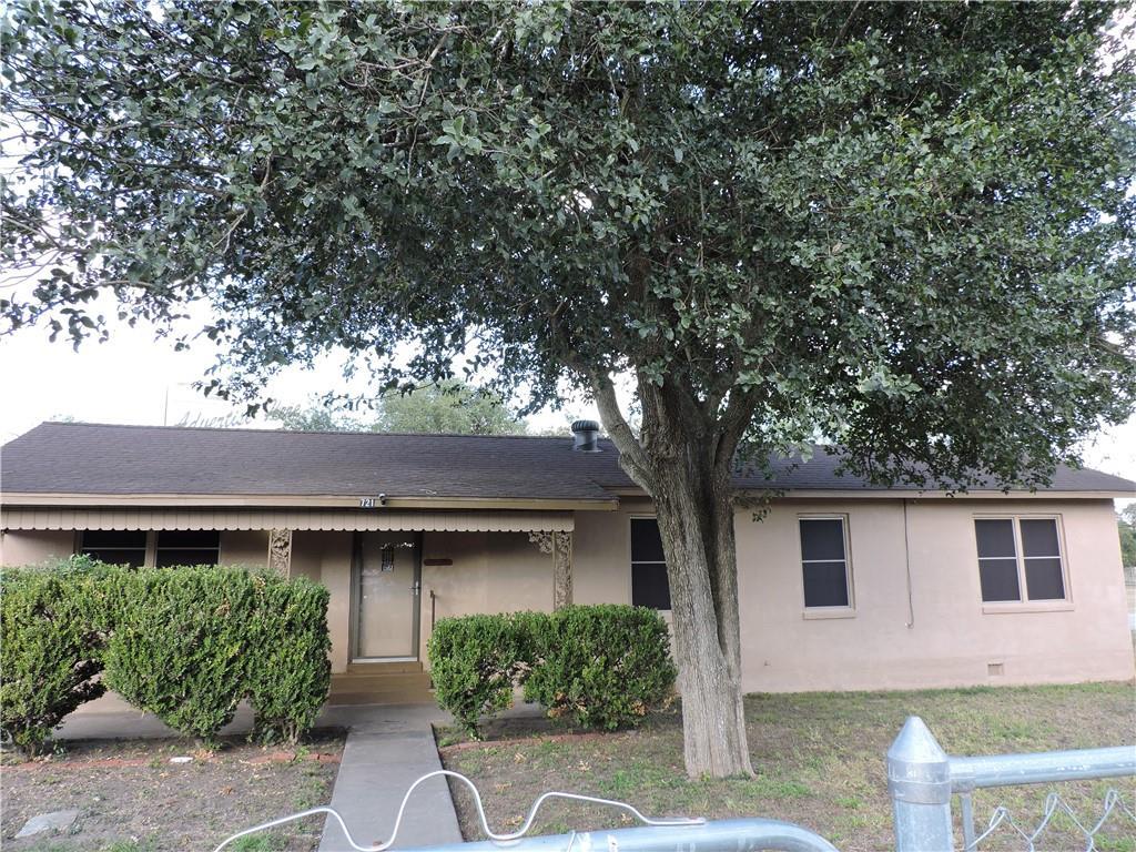 721 E Rockport St Property Photo 1