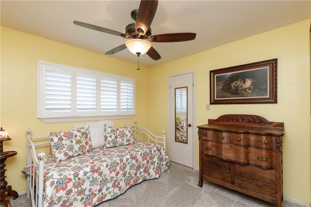 13918 Eaglesnest Bay Dr Property Photo 18
