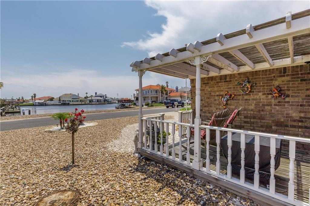 13918 Eaglesnest Bay Dr Property Photo 30